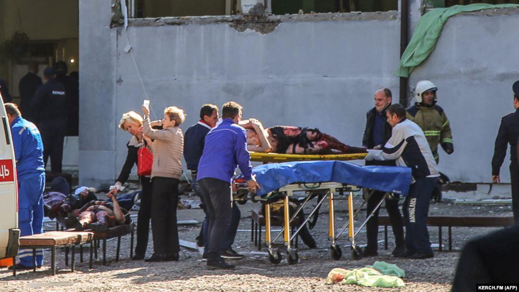 นักเรียนกราดยิงในวิทยาลัยเทคนิคไครเมีย ดับ 19 ศพ